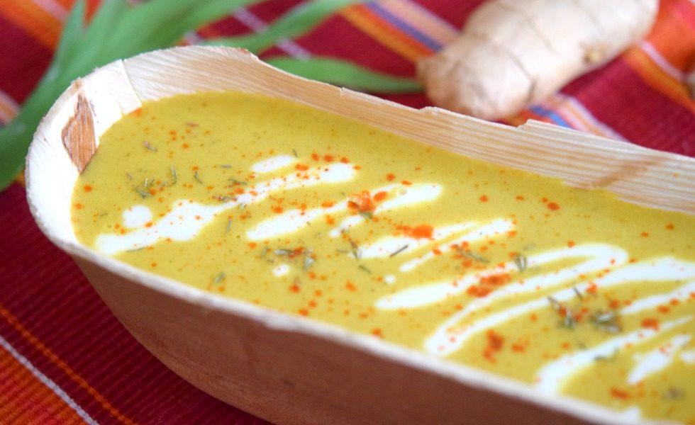 Gelbe Beete Suppe mit Kurkuma