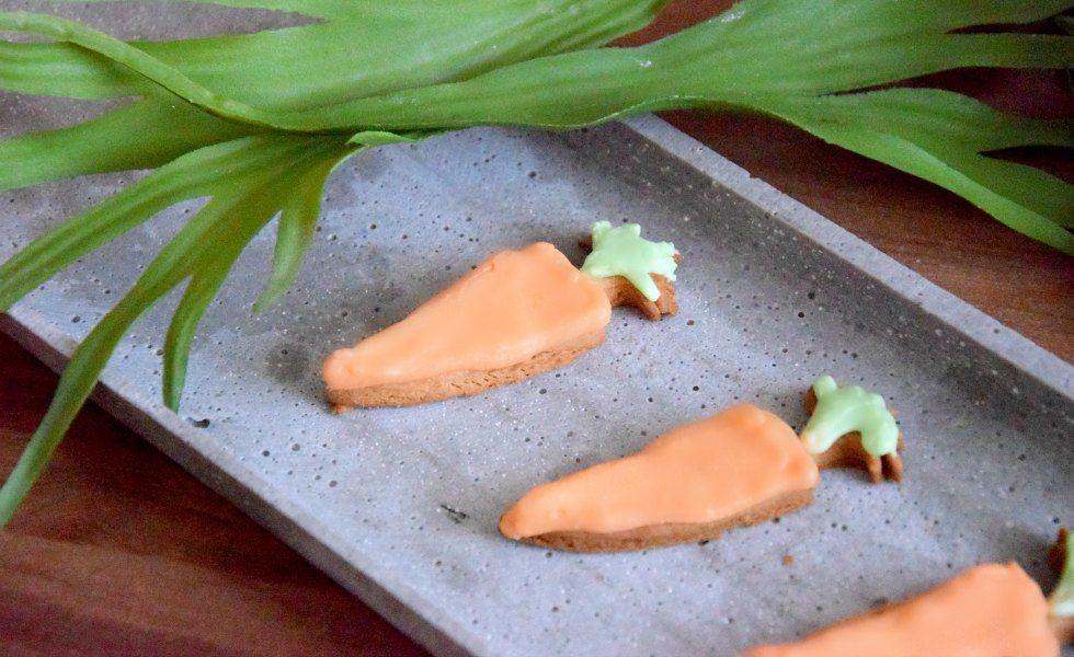 Karottenkekse mit Royal Icing Möhrenkekse Mürbteig Frosting