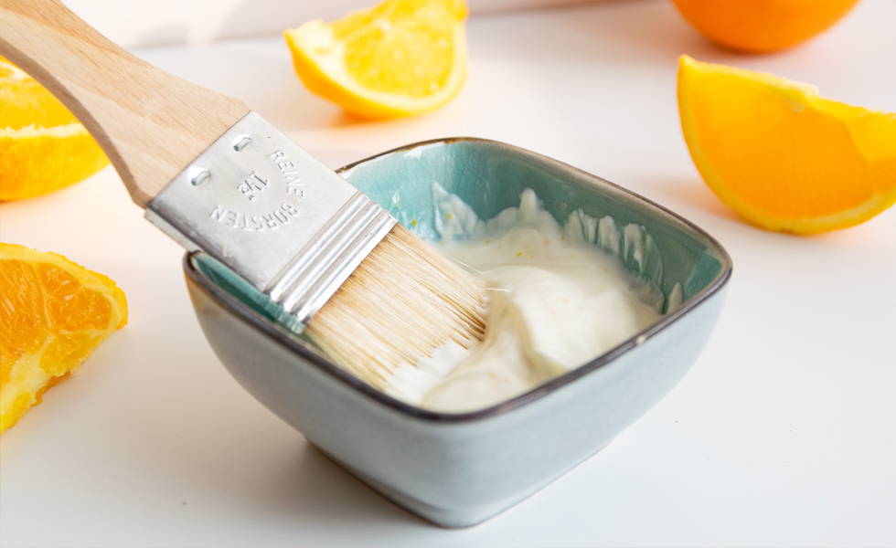 Gute Laune Gesichtsmaske mit Orange und Honig