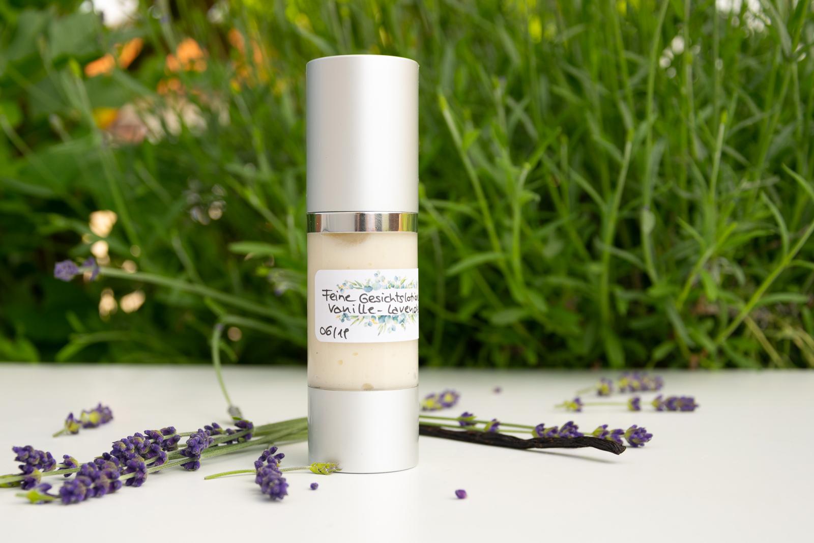 Lotion fürs Gesicht mit Lavendel und Vanille