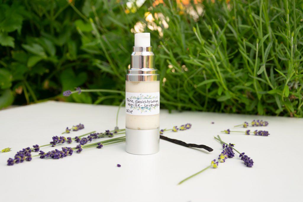 Gesichtscreme mit Lavendel und Vanille
