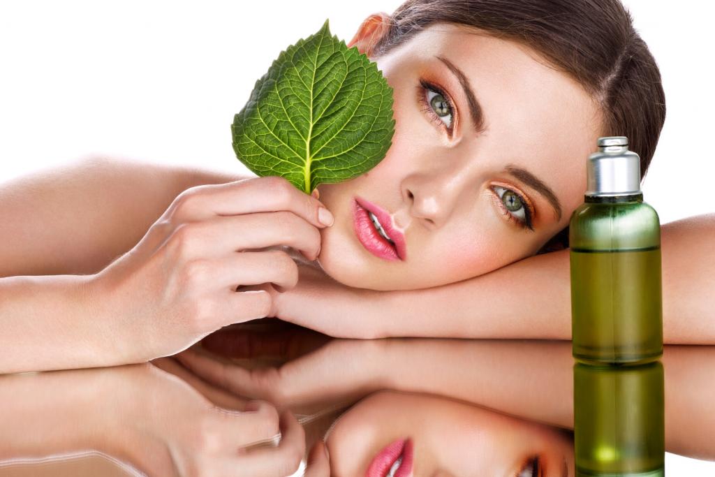Kosmetikfirmen positionieren sich bewusst in naturnähe um als Naturkosmetik wahrgenommen zu werden - trotz Problemstoffen